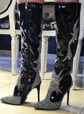 GLAM & BLACK BOOTS